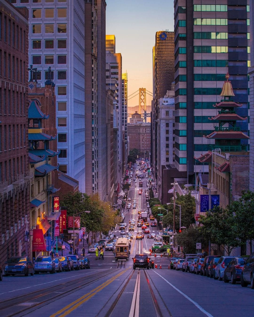 Explore San Francisco by car, if not by foot, cable car or taxi, without the worry of where to park your car when you return to the hotel. Book our Park, Play and Stay Package today and leave the parking to us! https://bit.ly/33j1sCZ #hotelzephyrsf #visitsf #holidayvacation
